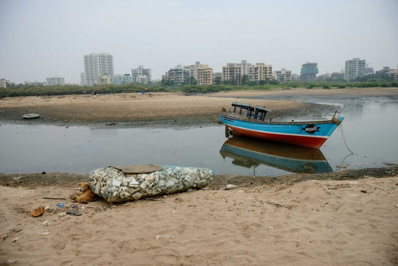 Mumbai : Juhu Beach : October 2012 : Boat