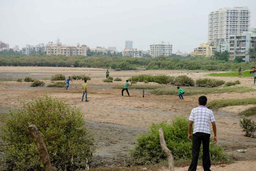 Mumbai : Juhu Beach : October 2012 : juhu cricket