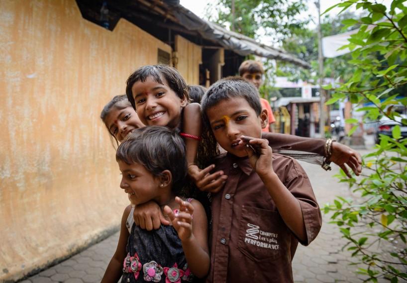 2012 Oct : Mumbai India Visit : Kids Posing