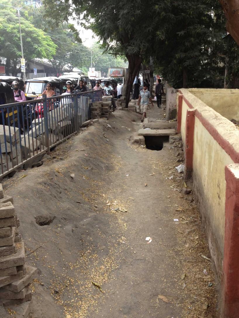 2012 Oct : Mumbai India Visit : Sidewalk