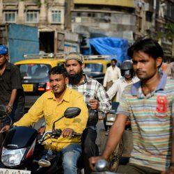 2012 Oct : Mumbai India Visit : Chor Bazaar People Watching 3