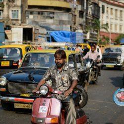 2012 Oct : Mumbai India Visit : Chor Bazaar People Watching 4