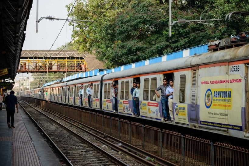 2012 Oct : Mumbai India Visit : Mumbai Local Train