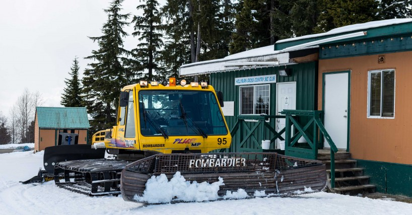 Cypress Mountain Snowshoeing 2014-03-20: Snow Cat - Bombardier